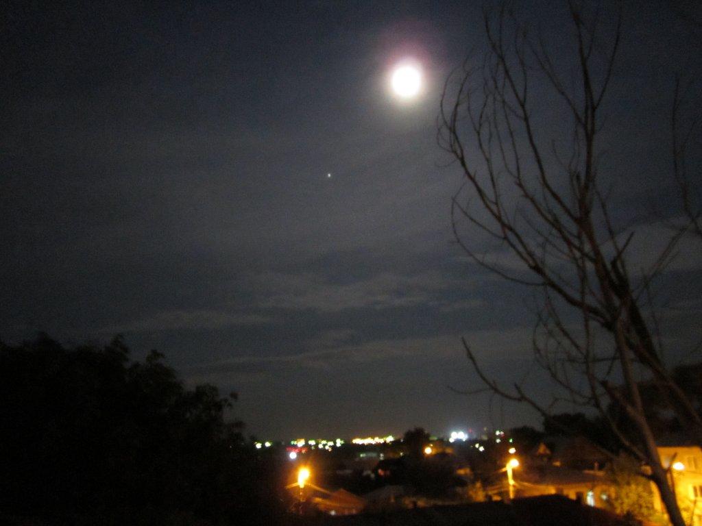 luceafarul si luna pe cer