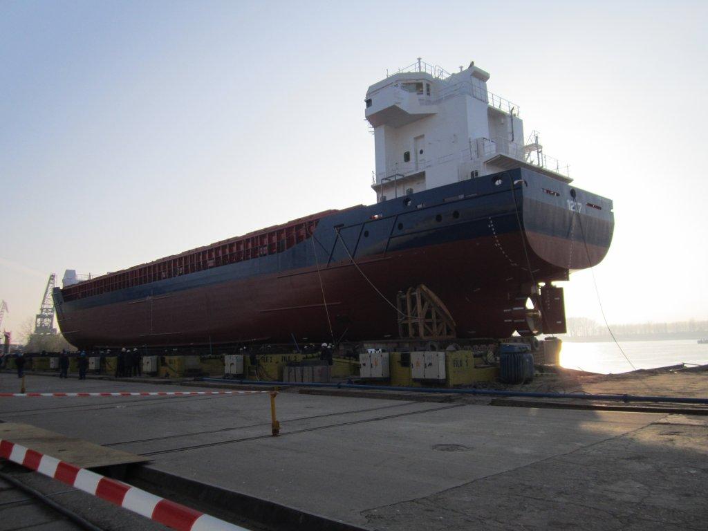 Lansare la apa nava