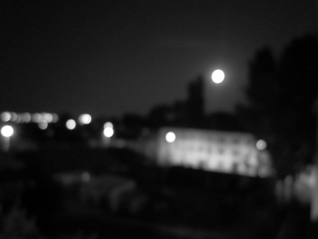 fotografie stranie Luna Plina